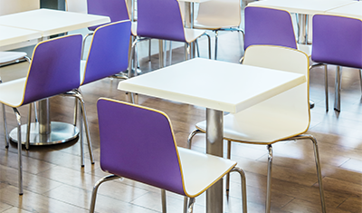 Rak mobiliario para restaurantes y cafeterias for Muebles para comedores industriales